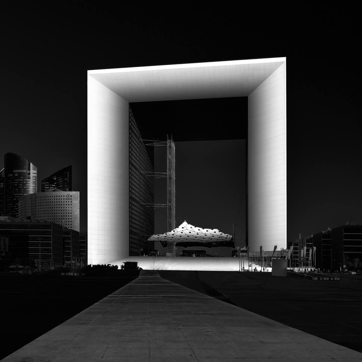 grande arche la defense tesseract paris black and white architecture